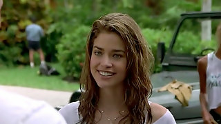 Young hot celebrities Denise Richards & Neve Campbell