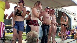 Abate Of Iowa 2015 Saturday Contest On The New Stage Sporty Girls - NebraskaCoeds