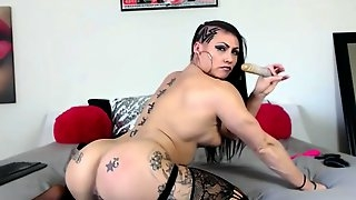 Stunning inked muscular queen karma fucks hot gaping ass